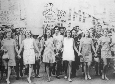 mulheres luchando